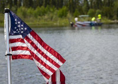 hp_canada19_hpboatbgrd_flag_s